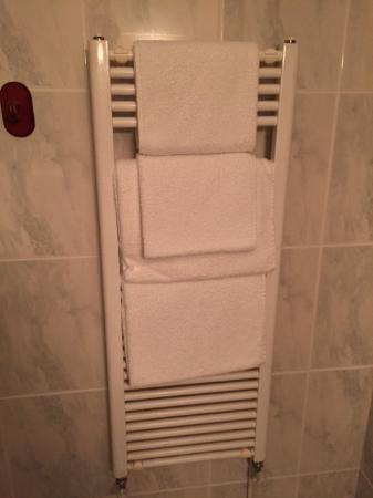 Middlemarsh, UK: Towels being warmed for us!