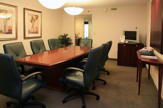 Plymouth Meeting, PA: Conference Suite