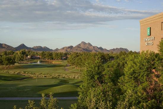 Embassy Suites by Hilton Phoenix-Scottsdale: Golf Exterior