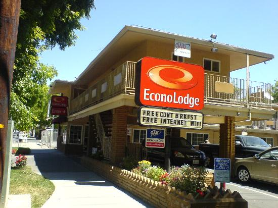 Econo Lodge - Sacramento / 16th St.