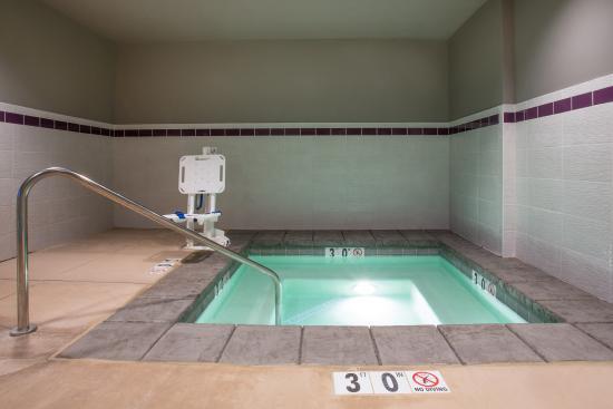 La Quinta Inn U0026 Suites Cedar City: Indoor Jacuzzi Hot Tub