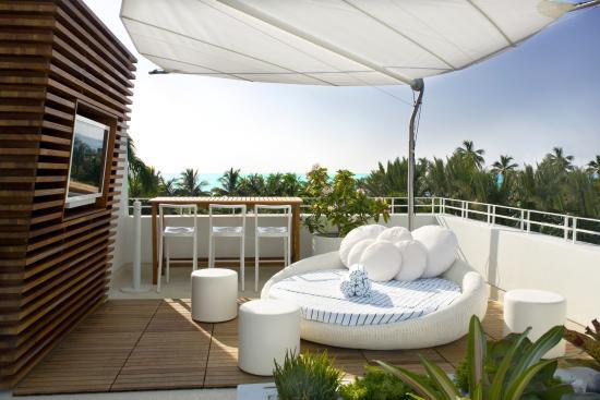 Dream South Beach Highbar Rooftop Pool Lounge