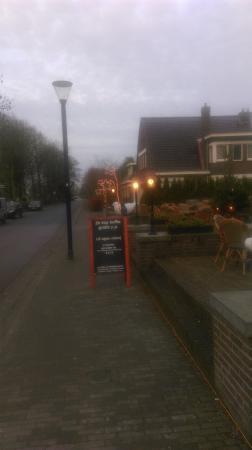Pieterburen, Holland: De Hoofdstraat