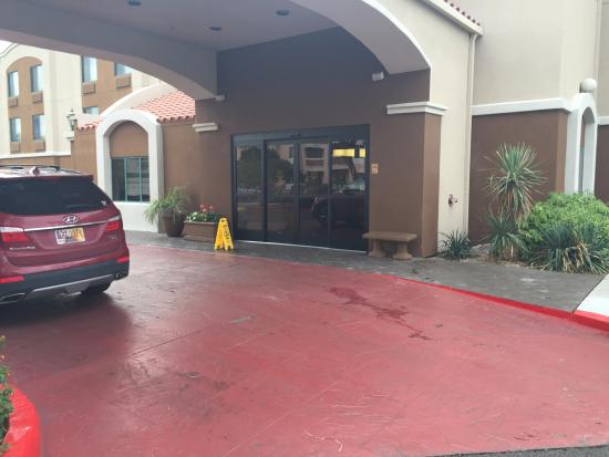 Sleep Inn at North Scottsdale Road: Entrance to Hotel