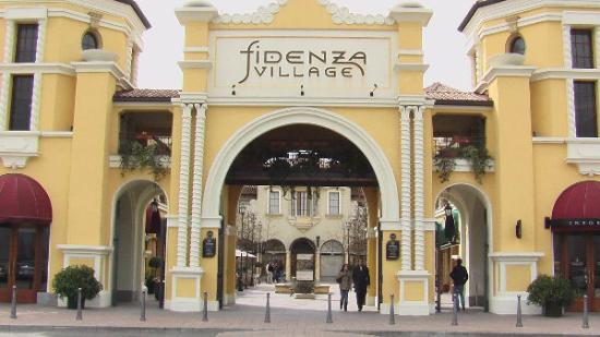 Fidenza Village Outlet - Foto di Fidenza Village, Fidenza - TripAdvisor