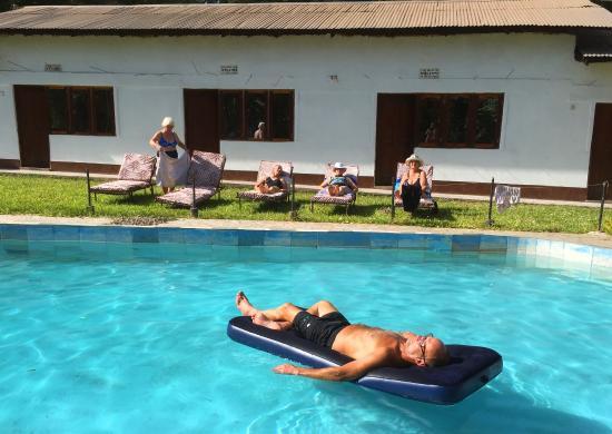 Monduli, Tanzania: Relax by the pool