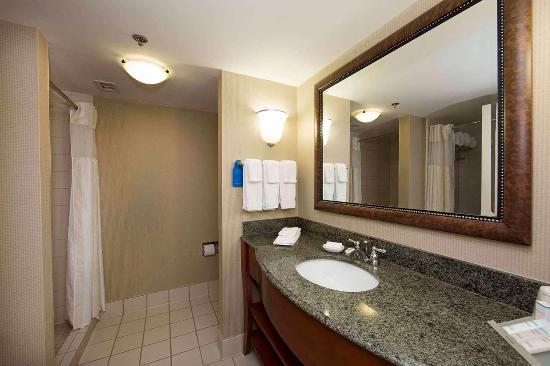 Athens, GA: King Corner Bathroom