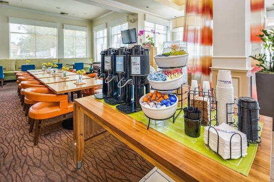 Milpitas, CA: Garden Grille And Bar Coffee Station
