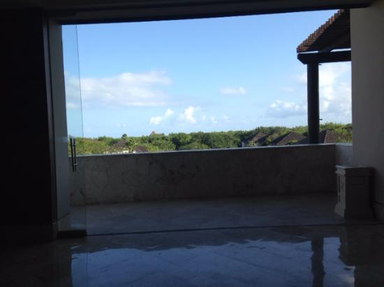 Fairmont Mayakoba: View toward ocean from Main Lobby