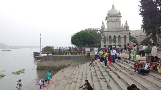 Belur Math: The ghat on the banks of Hooghly