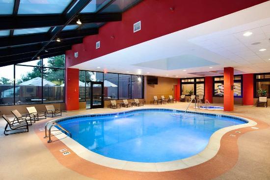 Photo of Hilton Chicago Oak Brook Suites Oakbrook Terrace