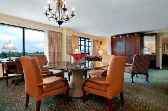 Hilton New Orleans Airport: Suite