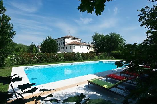 Hotel & Residence Villa dei Carpini: Piscina