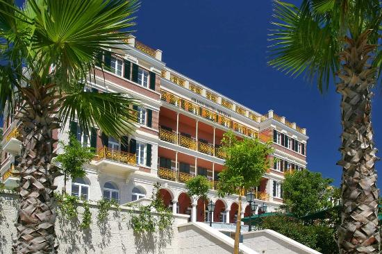 Hilton Imperial Dubrovnik: Hotel Exterior