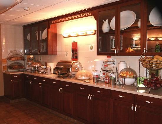 Yardley, PA: Breakfast Area