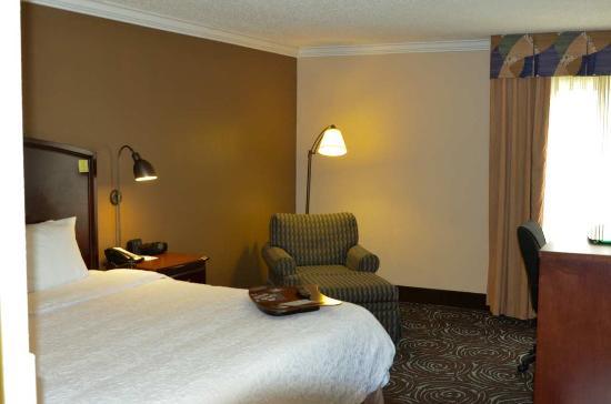 Perry, GA: King Room Reverse