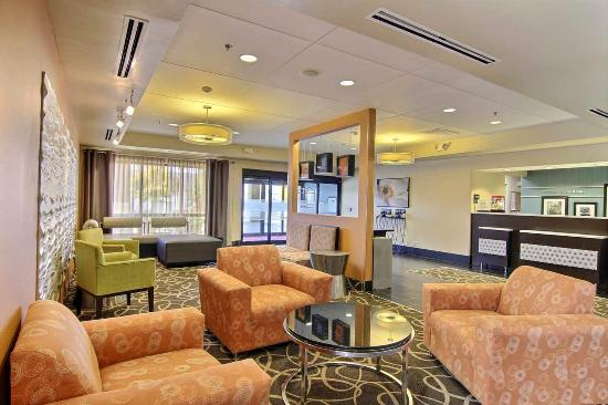 Hampton Inn Medina: Lobby