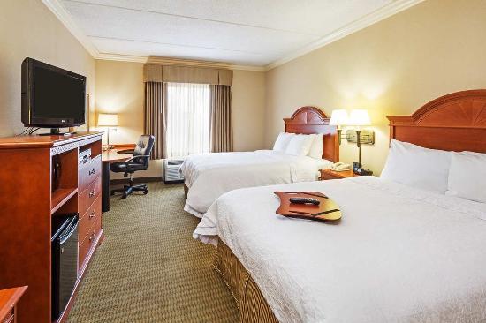 Clinton, Южная Каролина: 2 Queen Guest Room