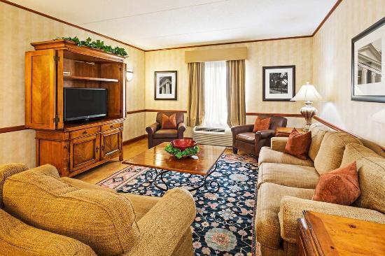 Clinton, Южная Каролина: 4th Floor Lobby
