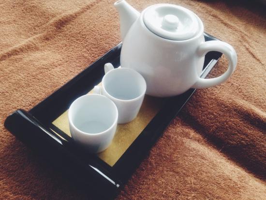 T House Tagaytay: Complimentary tea