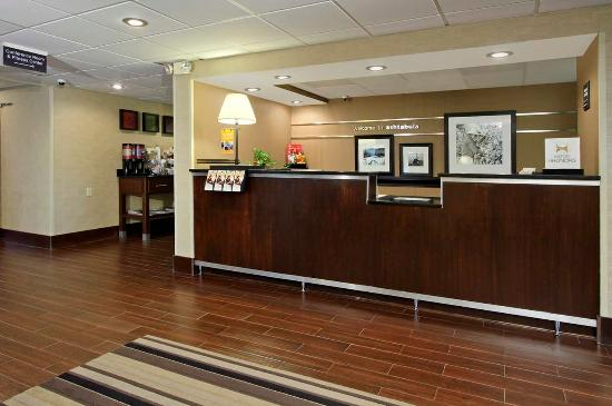 Austinburg, OH: Reception Desk
