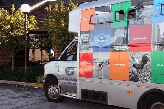 Saint Ann, มิสซูรี่: Airport Shuttle Van