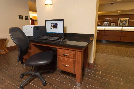 Saint Ann, Missouri: Business Center