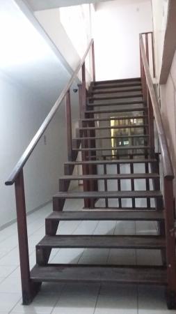 Escada que da acesso ao local do café da manha