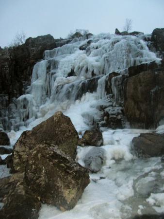 Llanuwchllyn, UK: The frozen waterfall