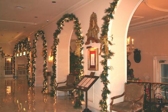Omni Royal Orleans: Festive holiday decorations
