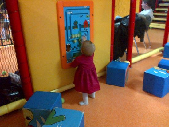 Neydens, Francia: детский центр