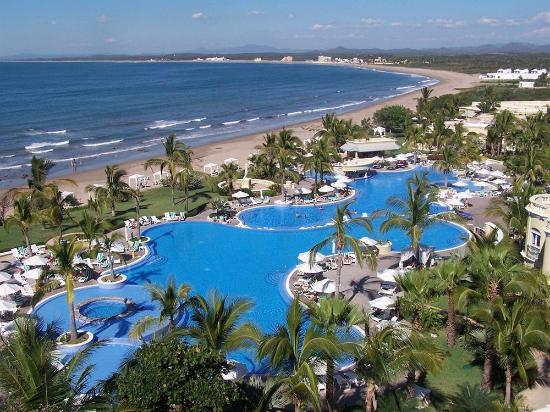 Pueblo Bonito Emerald Bay: albercas del hotel