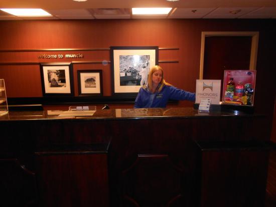 Hampton Inn & Suites Muncie: Lauren at the front desk