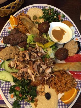 Photo of Mediterranean Restaurant Zweistrom at Kollwitzstr. 104, Berlin 10435, Germany