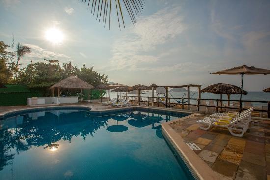 Crown Pacific Deluxe Suite Resort