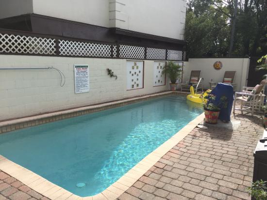 St. Francis Inn Bed and Breakfast: Small Swimming Pool