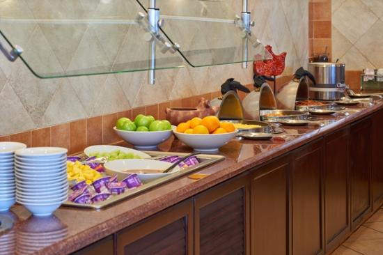 Country Inn & Suites By Carlson, El Paso Sunland Park: Breakfast Buffet