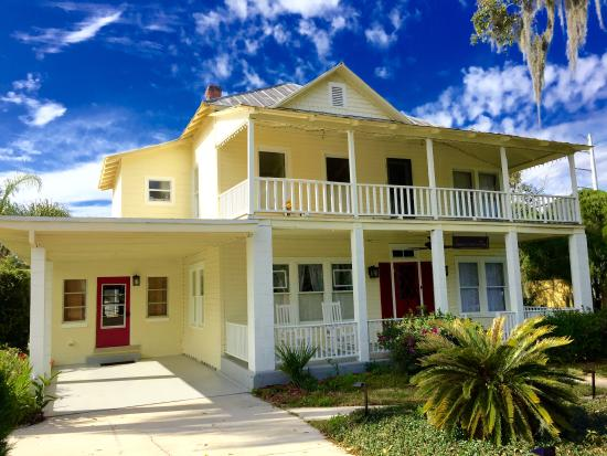 Mims, FL: The 1869 Manor House originally sat on 1000 acres of Orange Groves