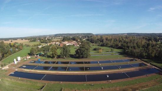 Neuvic, Frankrike: Vue aérienne du domaine