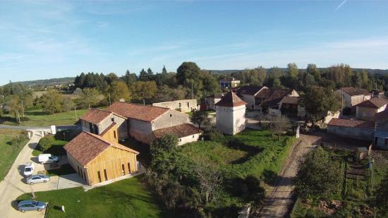 Neuvic, Frankrike: Les bureaux et le laboratoire
