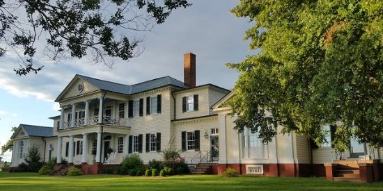 King George, VA: Belle Grove Plantation Riverside View