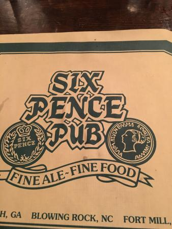 Six Pence Pub: Had a good tasty dinner of Bangers and mash but it was served cold very disappointed . Will give