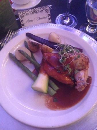 Becancour, Canada: Belle salle de réception pour les mariage et beaux menus de réception. Par contre la nourriture