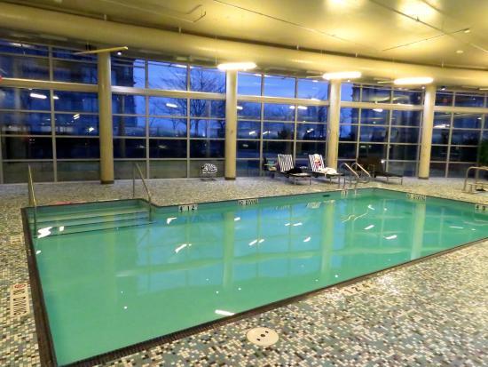 وستن وول سنتر فانكوفر إيربورت: Indoor Pool