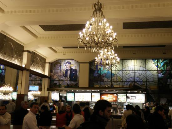 McDonalds Porto: Interior Del McDonaldu0027s