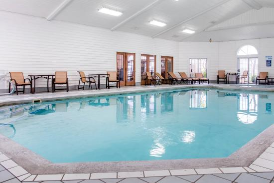 Comfort Inn Lakeside: Pool