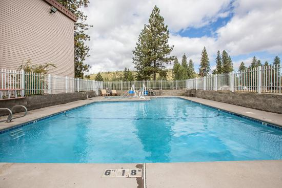Comfort Inn Mount Shasta Area: Pool