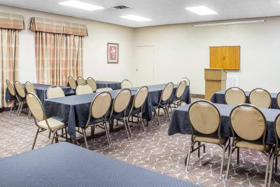 Claremore, OK: Meeting room