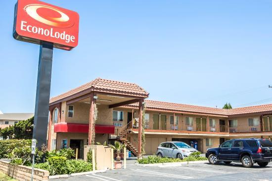 Econo Lodge Near Stub Hub Center: Exterior