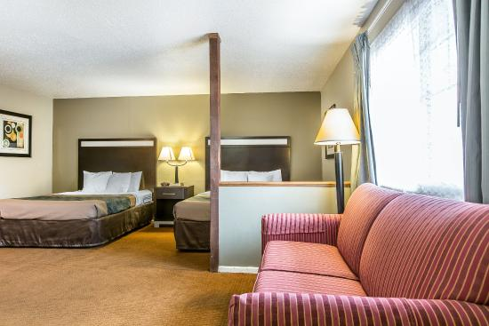 Econo Lodge Yreka: Guest room
